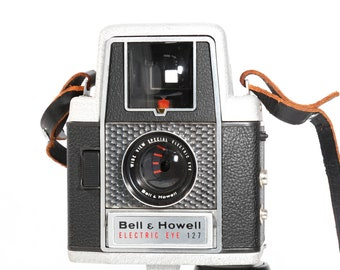 Bell and Howell Electric Eye Roll Film Camera from 1950s - Rare Classic Retro Style