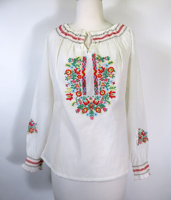 1970s Embroidered Peasant Blouse Made in Greece