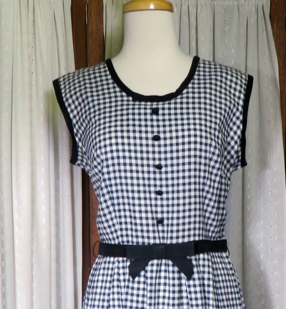 Vintage Mode O Day Black and White Gingham Sleevel