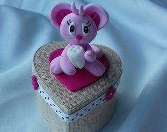 Pink mouse teeth heart box