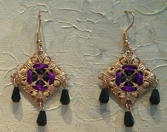 Handmade Diamond-shaped Ribbon and Filigree Earrings with Black Glass Beads