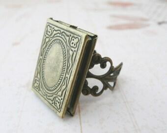book locket poison ring No. R4