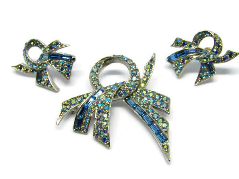 fb0f04cbddc Pell Rhinestone Wedding Brooch and Earrings Set. Bow Art | Etsy