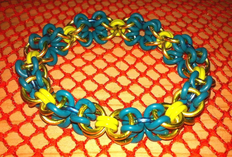 8 Teal /& Green Flower Weave Stretch Chainmaille Bracelet Goth Renaissance