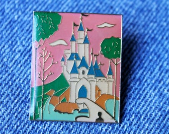 PIN'S Princess Castle 90s vintage fairytale fairyland wonderful cute small gift girl