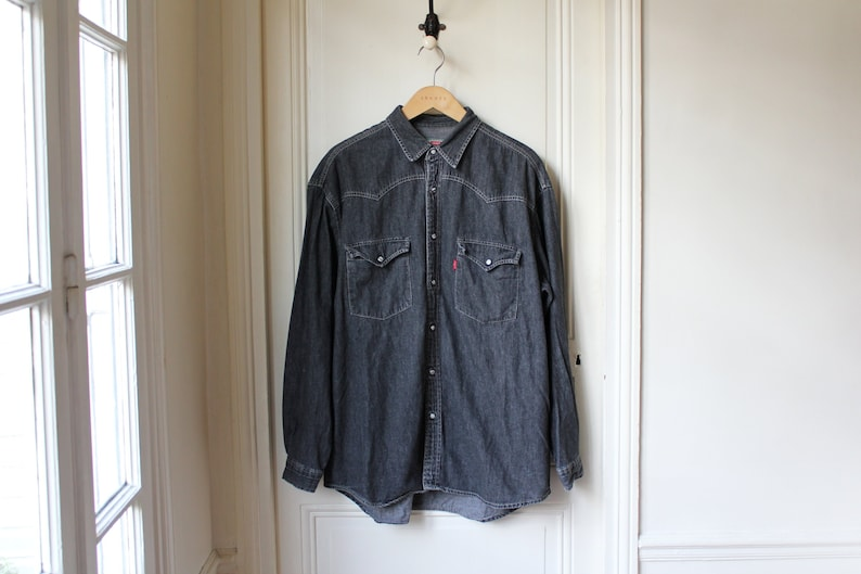 bcdab3de290 Vintage Levis shirt faded black denim shirt 90 s Classic
