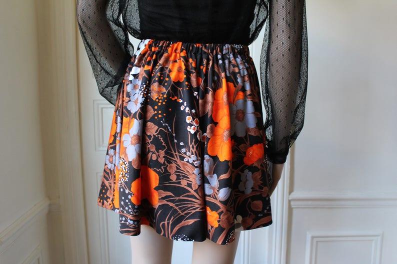 60s skirt handmade pop kitsch short skirt 60 s pattern orange flowers upclycling recycling one of a kind vintage skirt elastic Size S
