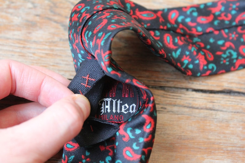Skull tie hand embroidered 60 s italian vintage paisley silk tie grim placed design skeleton embroidery customized vintage one of a kind