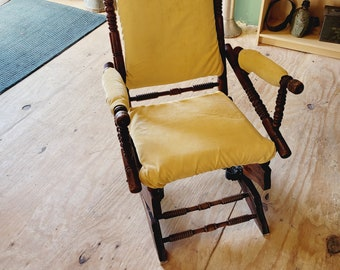 Vintage Rocker with Yellow Pads - Pick Up Only