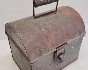 Old Dome Top Lunchbox with Wood Handle