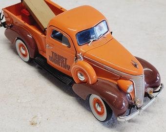 Vintage Trustworthy Hardware Limited Edition Crown Premiums 1937 Studebaker Pickup Truck