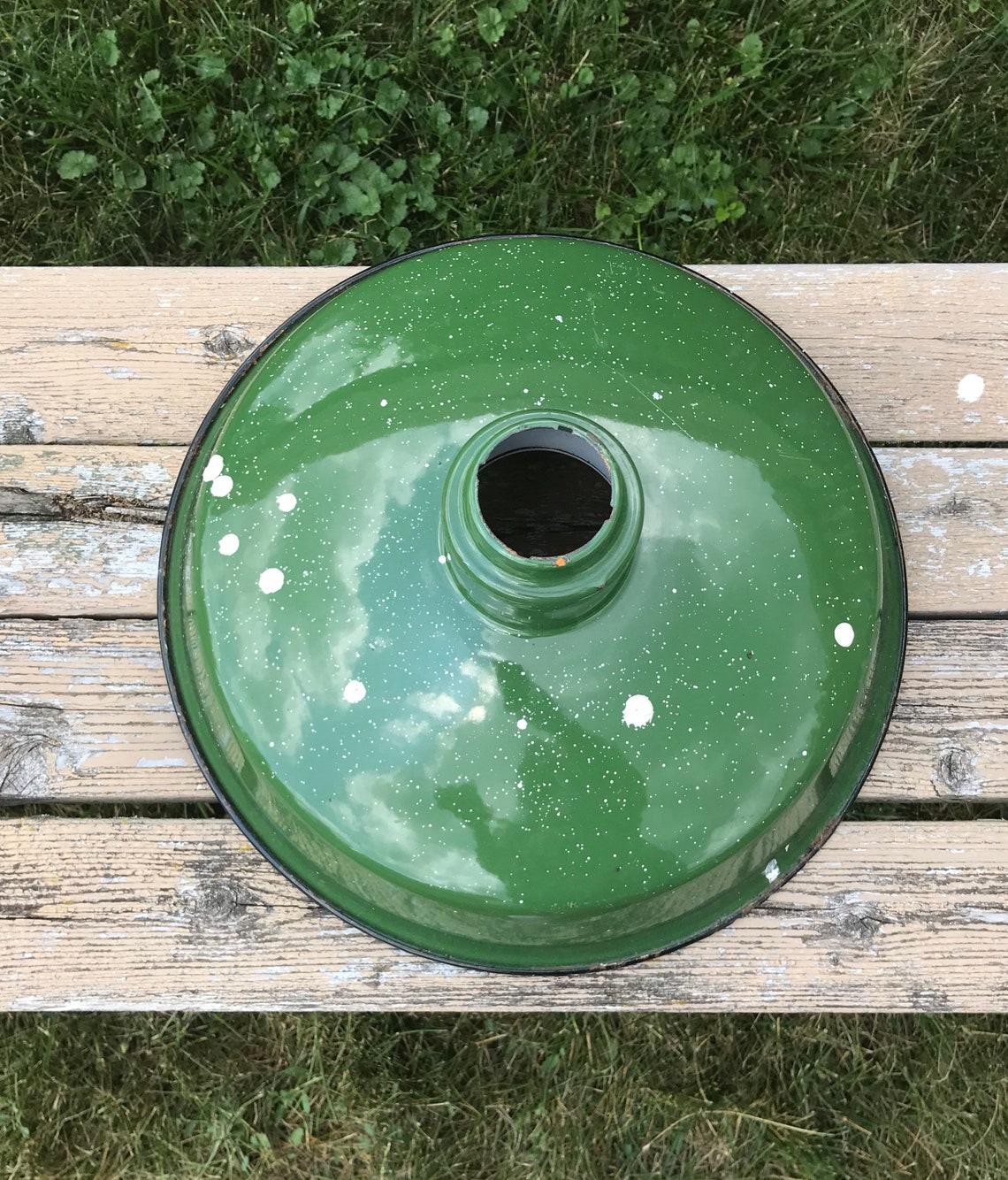 Green Enamel Barn Light/Vintage green enamel porcelain light/Farmhouse barn light/indoor outdoor light/Rustic Farmhouse Wedding/Lantern - Eclairage