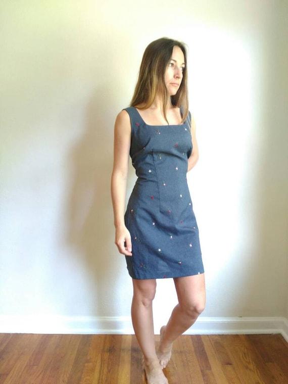 Minimalist 1990s mini dress, slip dress, size medi