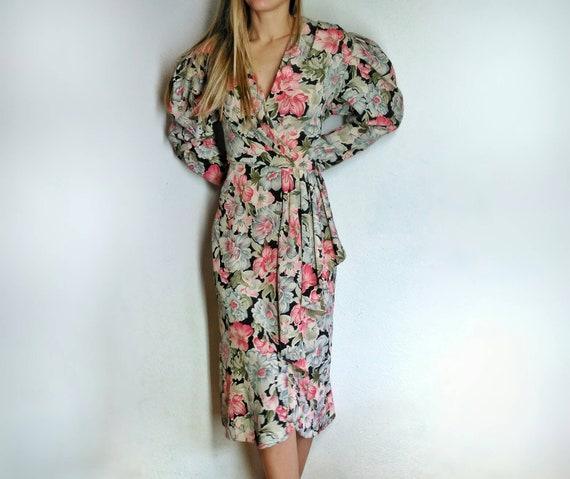 Vintage floral dress, medium, 80s does 40s Hawaiia
