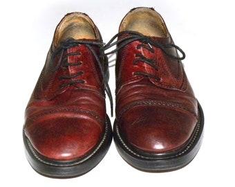 ec6bb88ed4 Vintage Cap Toe Oxfords Bata Luxury Shoes Red Brown Oxblood Leather Men s  size 7.5 Women 9