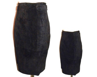 """Vintage 90s BLACK Suede Pencil Skirt / Button Detail Straight Luxe Soft Leather Knee Length Skirt / Vintage size 14 FITS Smaller / 29"""" waist"""