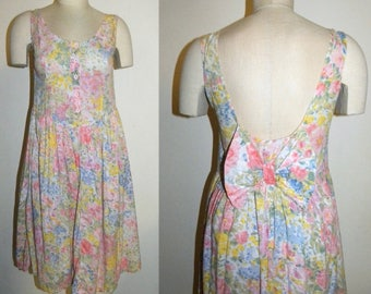 1980s 80s Sweet Summer Dress / Pastel Floral Sundress BOW / Vintage / fits Small
