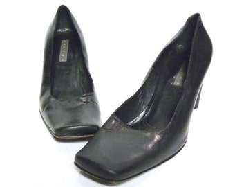 0297cbbae15 1990s 90s Paloma ITALY Black Leather Square Toe HEELS   Size 10 M