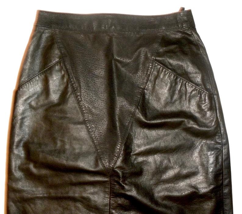 Vintage 80s Black Leather /& Suede MIDI Skirt Avant Gard\u00e9 V Front Detail  28 waist