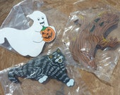 3 Vintage Miniature Halloween Wood Cut Outs Ornament Pumpkin Ghost Black Cat Diorama Craft Figures Haunted House Supply Lot ( 1721)