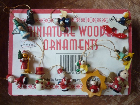 Miniature Christmas Ornaments.12 Miniature Christmas Ornaments Wood Vintage Hand Painted Feather Tree Decor Craft Supply Lot 3161
