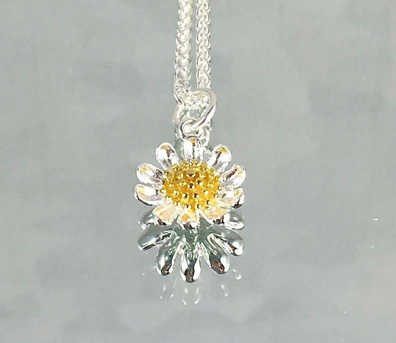 GIVE ME Your Answer Do Daisy Pendant Sterling Silver Gold image 0