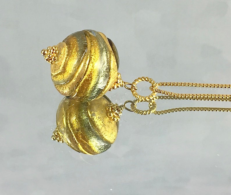 MURANO MEANDERINGS PENDANT Venetian Glass Gold Filled Chain image 0