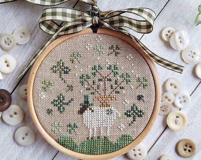 Pattern: Holiday Hoopla -  Brenda Gervais - Country Stitches - With Thy Needle and Thread - Brenda Gervais