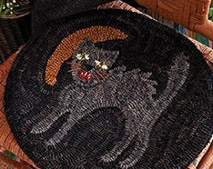 "Pattern: Rug Hooking Pattern ""Scaredy Cat"" by Lyn Hosford for  Needle Love Designs"