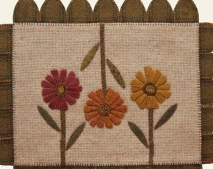 Pattern: Three Zinnias Wool Mat Created by The Cottage at Cardiff Farms