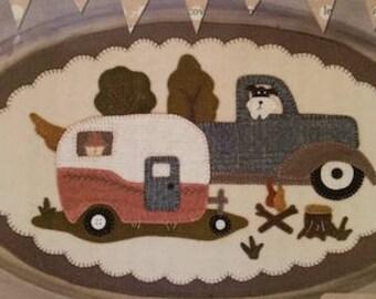 """Pattern: June Vintage Truck Thru the Year - """"Camper"""" by Buttermilk Basin"""