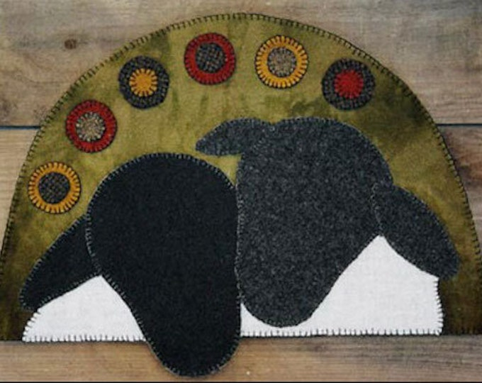 Pattern: Two Sheep Wool Applique by Lake View Primitives