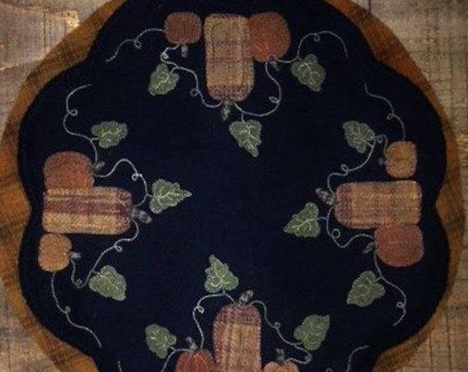 "Pattern: Wool Appliqué The Punkin' Patch 17"" Round Table Mat Pattern by Cricket Street Wool"