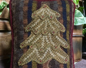 """Pattern: Wool Applique """"Little Christmas Pillow"""" Pattern by Cricket Street Wool"""