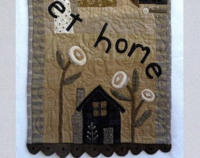 """Pattern: Wool Applique """"Homebody Table Runner"""" Pattern by Heart to Hand"""