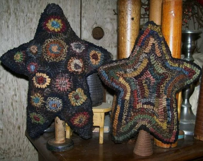 Pattern: Primitive Hooked Rug Stars by Hooked on Primitives
