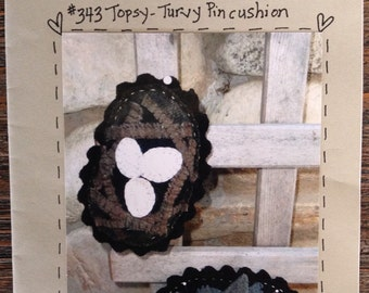 Pattern: Topsy- Turvy Wool Pincushion by Heart to Hand