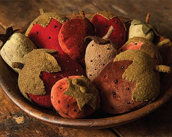 Pattern: Strawberry Fields Velvet Wool Pincushions Blackberry Primitives Designed by Kay Cloud