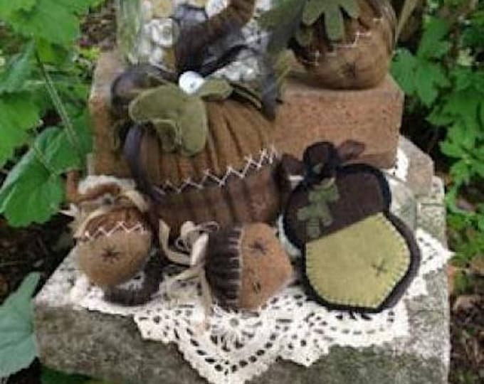 Pattern: Plump Wooly Acorns Pincushions by Wooden Spool Designs