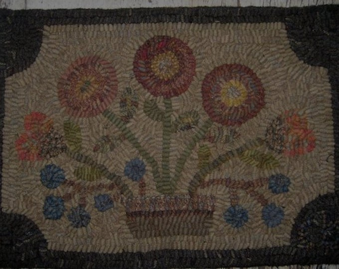 "Pattern: Primitive Rug Hooking Pattern - ""Posies"" from Baskets of Wool"