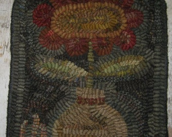 "Pattern: Primitive Rug Hooking Pattern - ""Wonky Red Flower"" from Baskets of Wool"