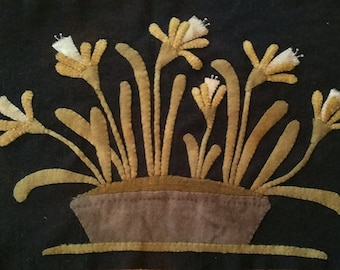"""Wool Kit and Pattern:  """"Daffies in an Old Granite Pot"""" by  Maggie Bonanomi"""