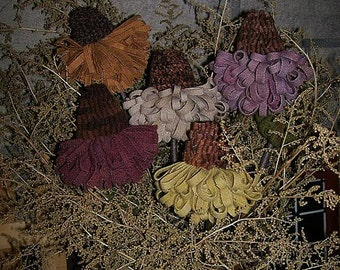 Pattern: Hooked Rug Cone Flowers by Hooked on Primitives