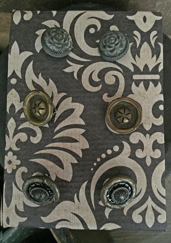 Notions: Antique Vintage Metal Buttons on Decorative Card Set/ 6