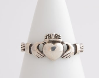 Sterling silver Irish Claddagh hand in heart ring / Sterling silver Claddagh ring / promise ring / Irish ring / relationship ring/love /2479