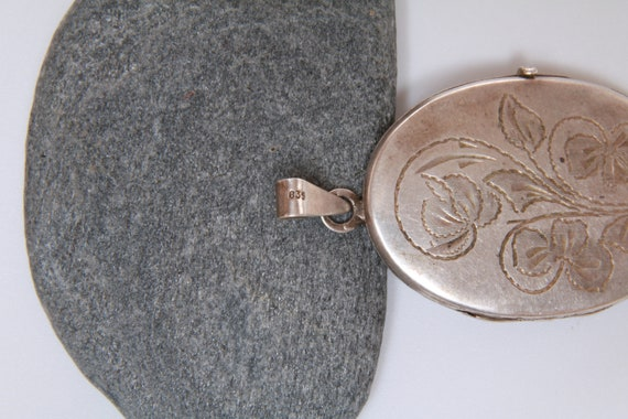 Etched Oval Locket, Vintage Oval Silver Picture L… - image 10