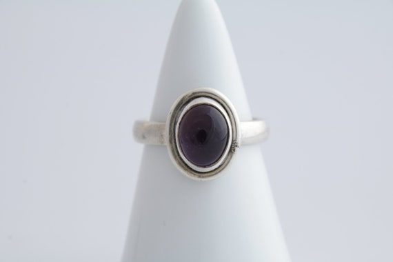 Amethyst ring, Vintage amethyst and silver ring, O