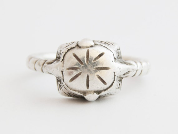 Tribal Silver Ring, Vintage Tribal Rajasthani Ster