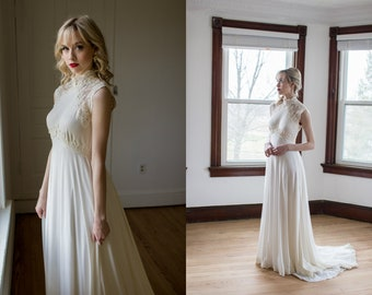 d6f69abdacb Vintage 1970 s Jersey and Lace sleeveless wedding gown   size XS S BoHo