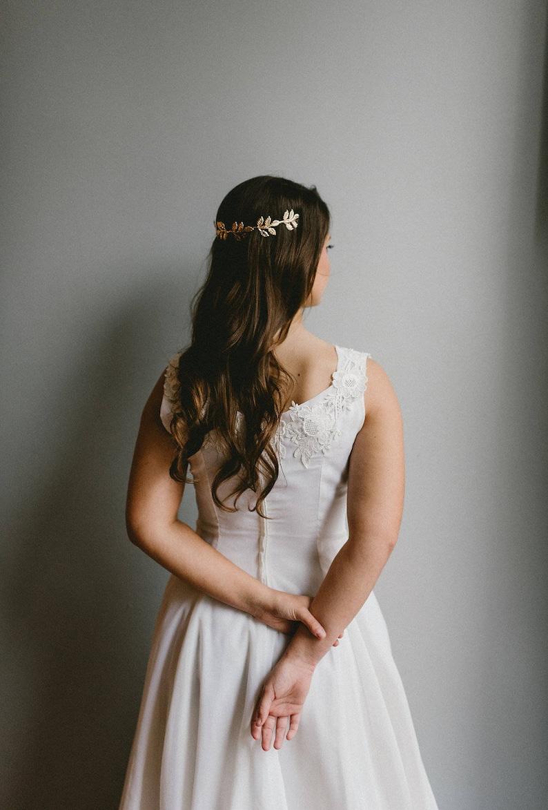7d1a0eadfba7 Vintage Chiffon and Lace appliqué A-line Wedding Gown / Size | Etsy
